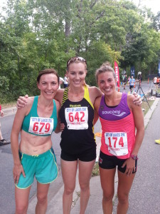 Carrie Tollefson (center) with Michelle Frey, winner (r) and unidentified No. 679. If you know her name, send it to me.