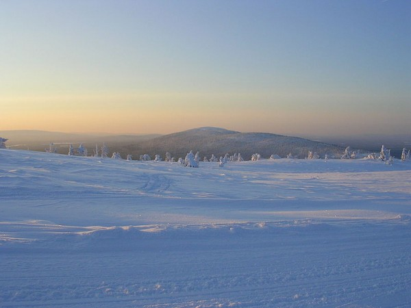 800px-View_from_top_of_levi_fell-Lapland