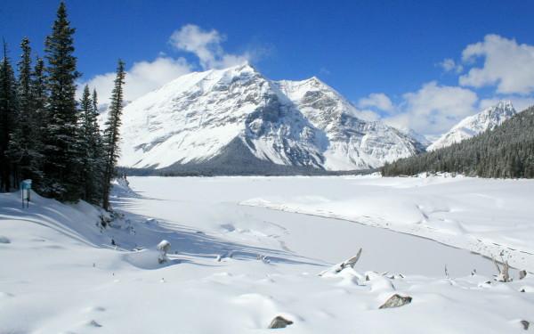 Snowshoeing around the Upper Kananaskis Lake, Peter Lougheed Provincial Park