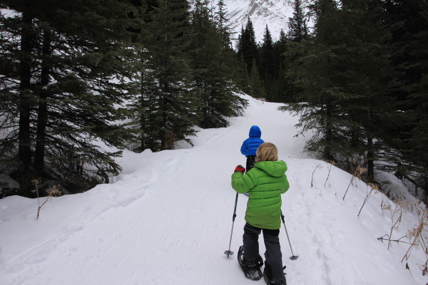 Great Early Snowshoeing at Highwood Pass